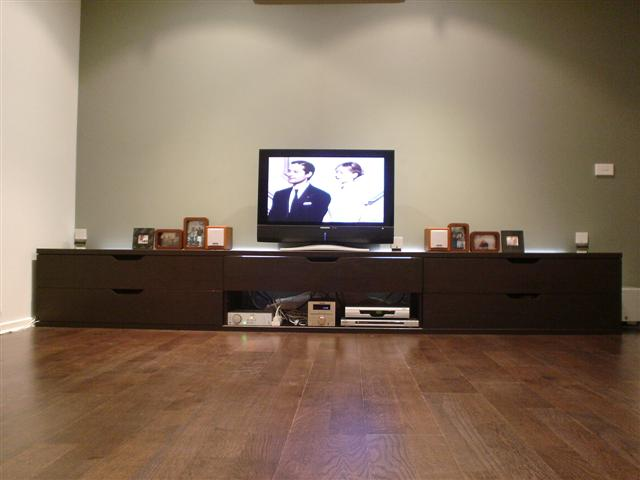 Extra long Stolmen TV bench for X-large living space