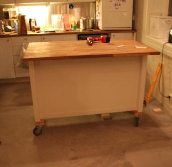 Kitchen island on wheels: Add casters to STENSTORP - IKEA ...