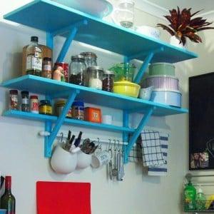 spring+cottage+kitchen+3-771959