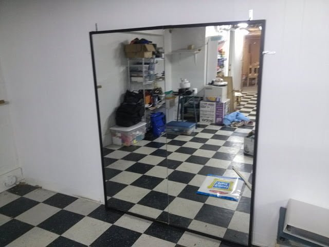 Make a large mirror for dance ikea hackers for Miroir nissedal