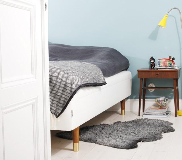 Simple Designed legs for IKEA Sofas u Beds