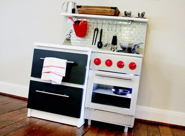 Manly diy play kitchen ikea hackers ikea hackers - Fabriquer une cuisine en bois pour enfant ...