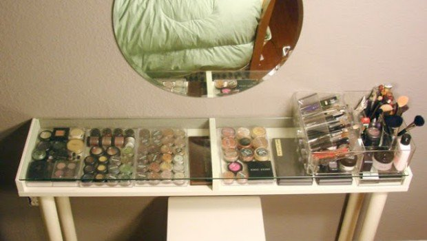 makeup vanity for small spaces ikea hackers ikea hackers. Black Bedroom Furniture Sets. Home Design Ideas