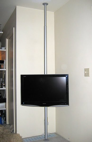 Hang your TV on a pole - IKEA Hackers