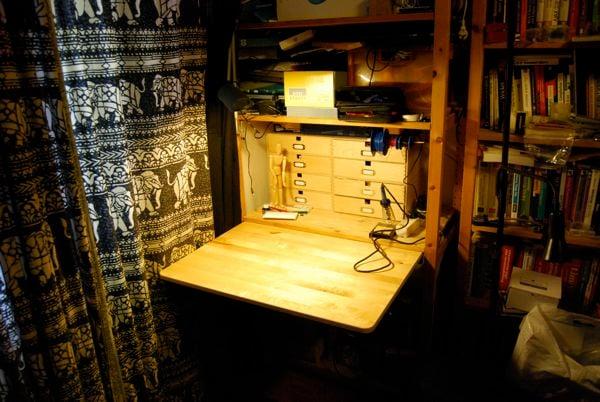 - Hidden Workbench In A Bookshelf - IKEA Hackers - IKEA Hackers