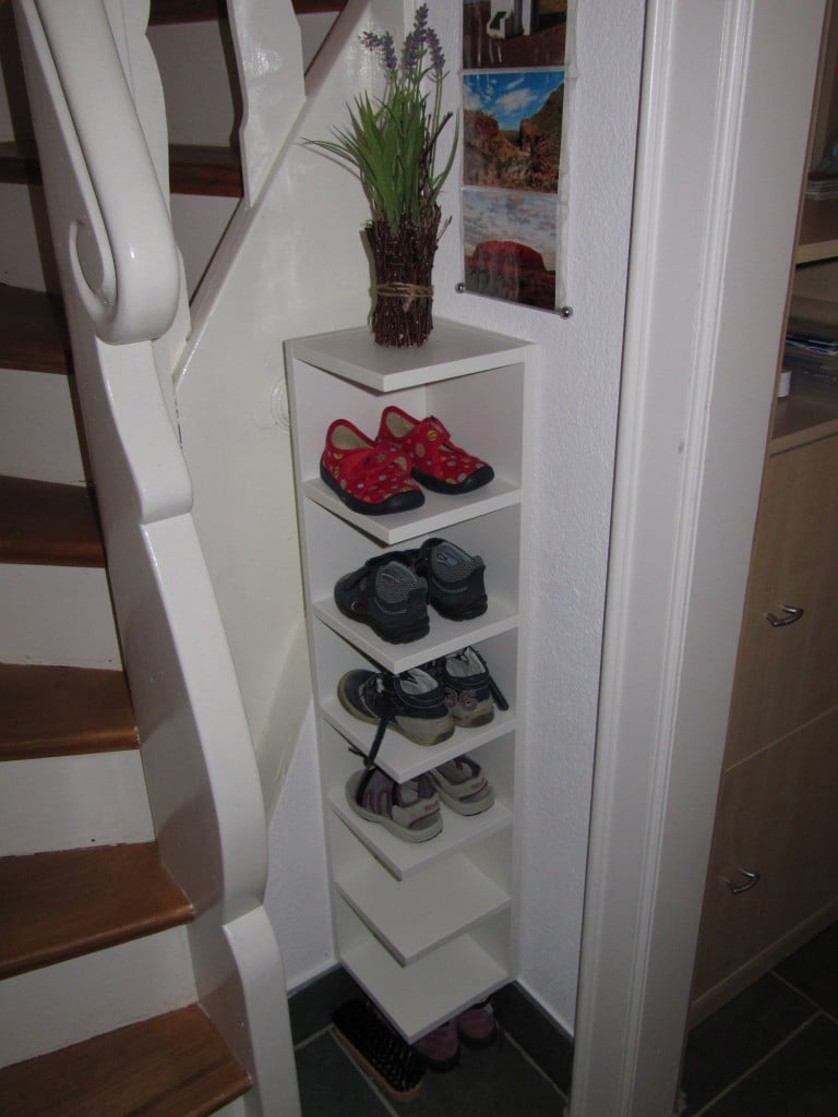 Shortened lill ngen children 39 s shoe rack ikea hackers - Fabriquer une etagere a chaussures ...
