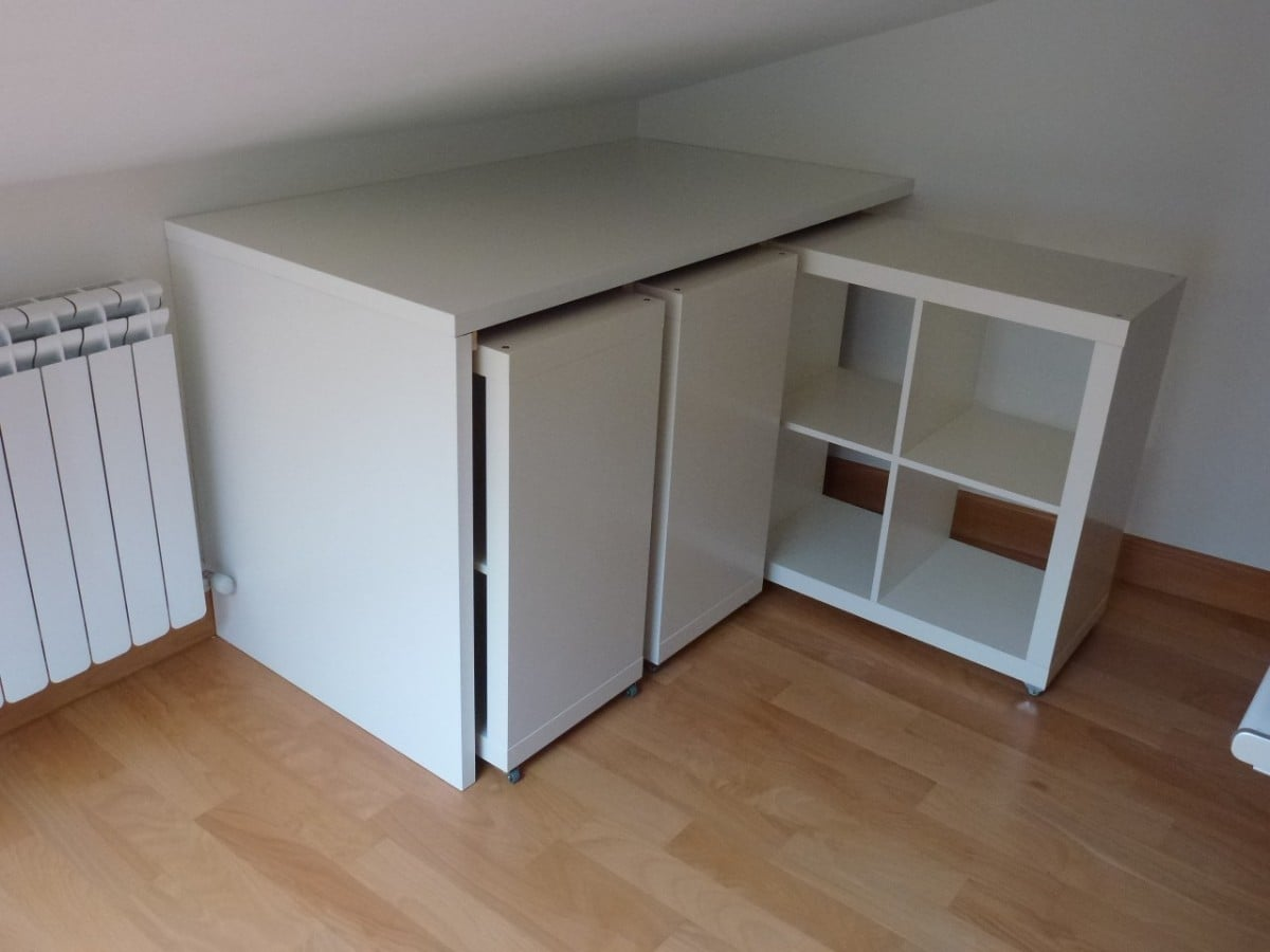 A library on wheels ikea hackers for 2 sous de table