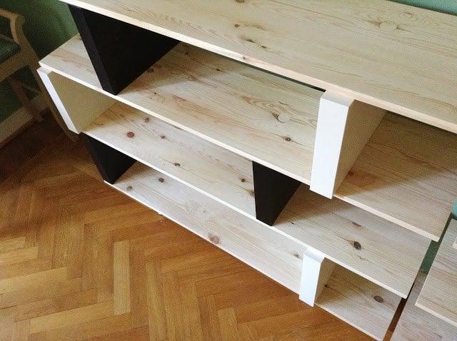 Flexible Pine Book Shelf