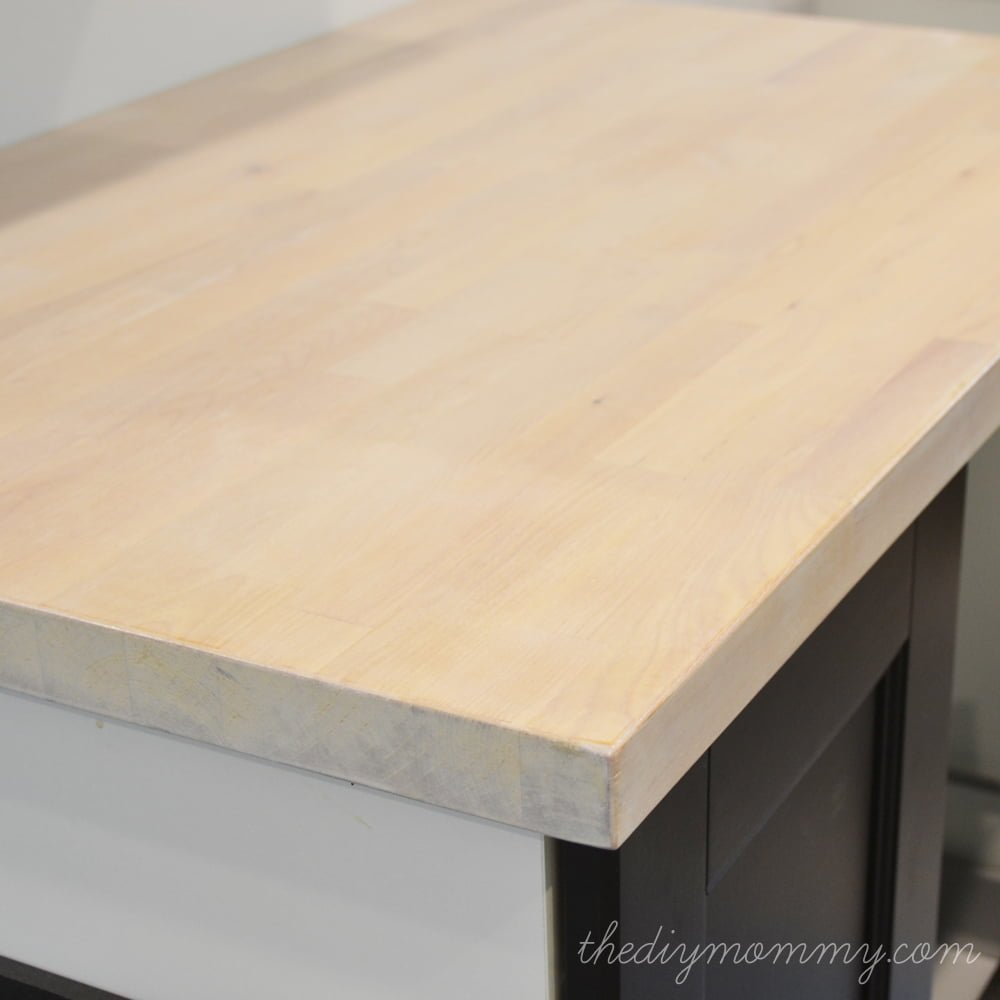 Whitewash-Butcherblock-Countertop-by-The-DIY-Mommy-1