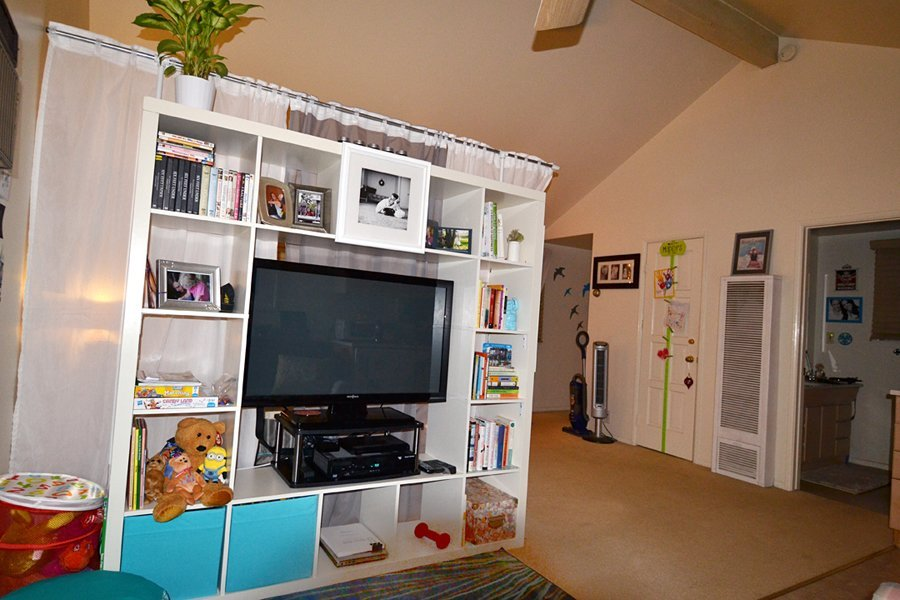 Expedit rotating tv hack ikea hackers ikea hackers for Room design hacks