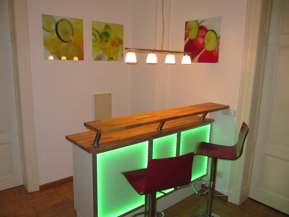 Cheers it 39 s an illuminated bar ikea hackers - Bar selber bauen ...