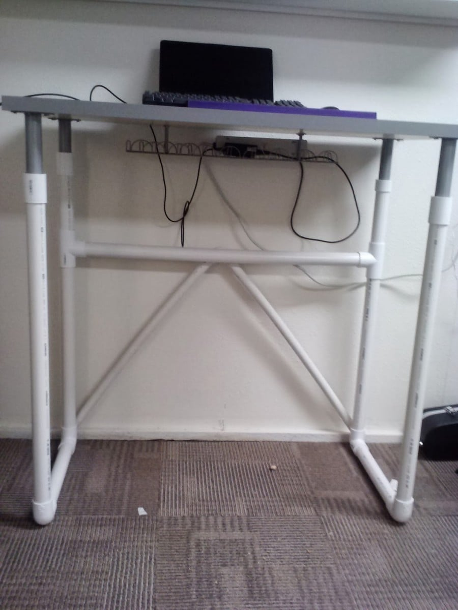 LINNMON treadmill desk with PVC pipe legs - IKEA Hackers ...