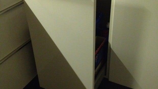 Faktum corner sink cabinet