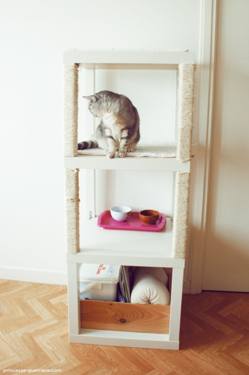 Cat tree with ikea lack ikea hackers for Caillebotis bois pour salle de bain