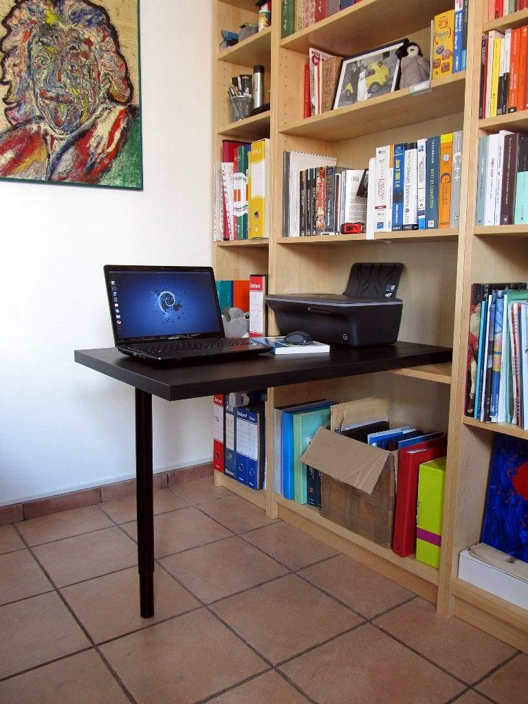 Minimal billy desk ikea hackers ikea hackers for Ikea desk with shelf