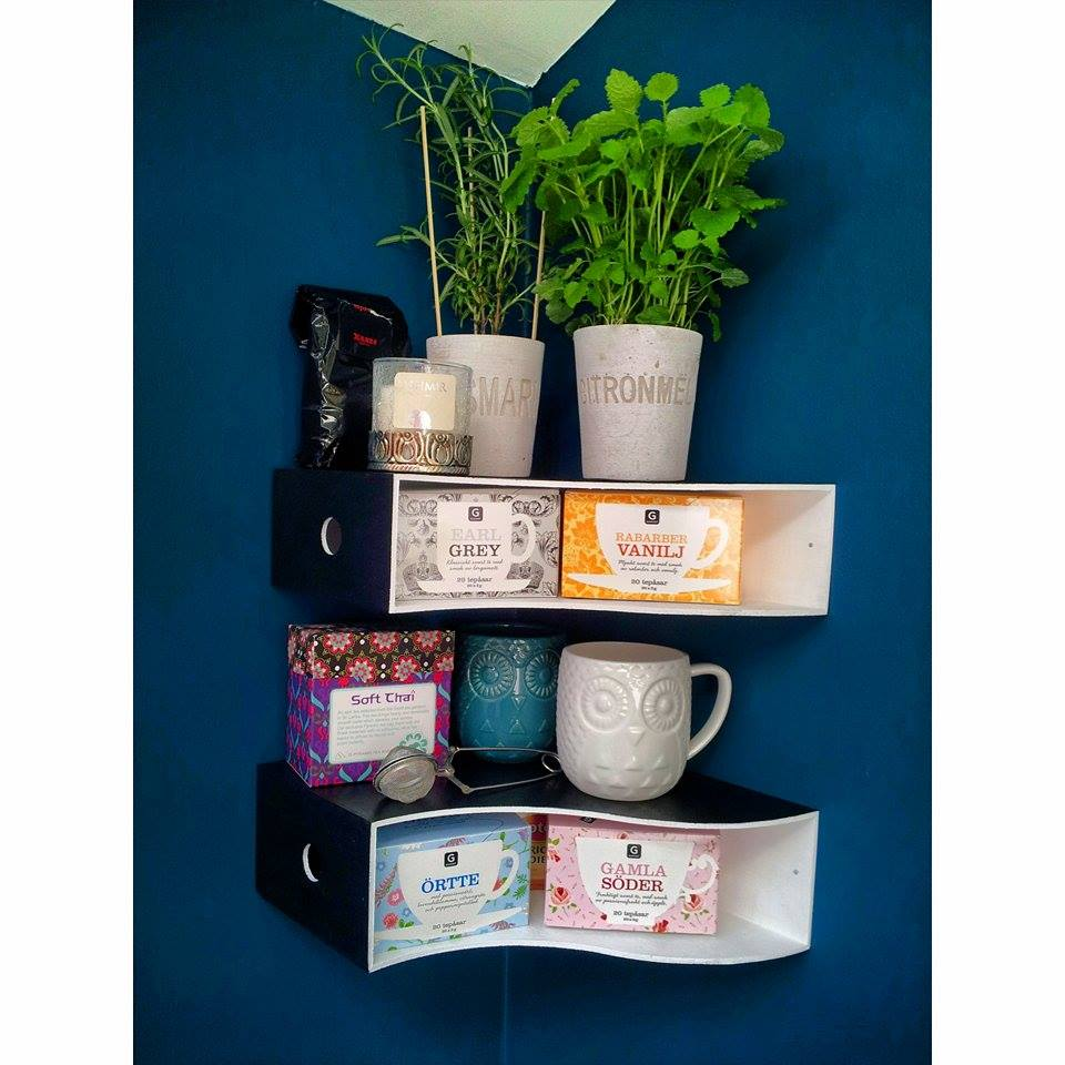 Knuff magazine collector into tea and herb shelves