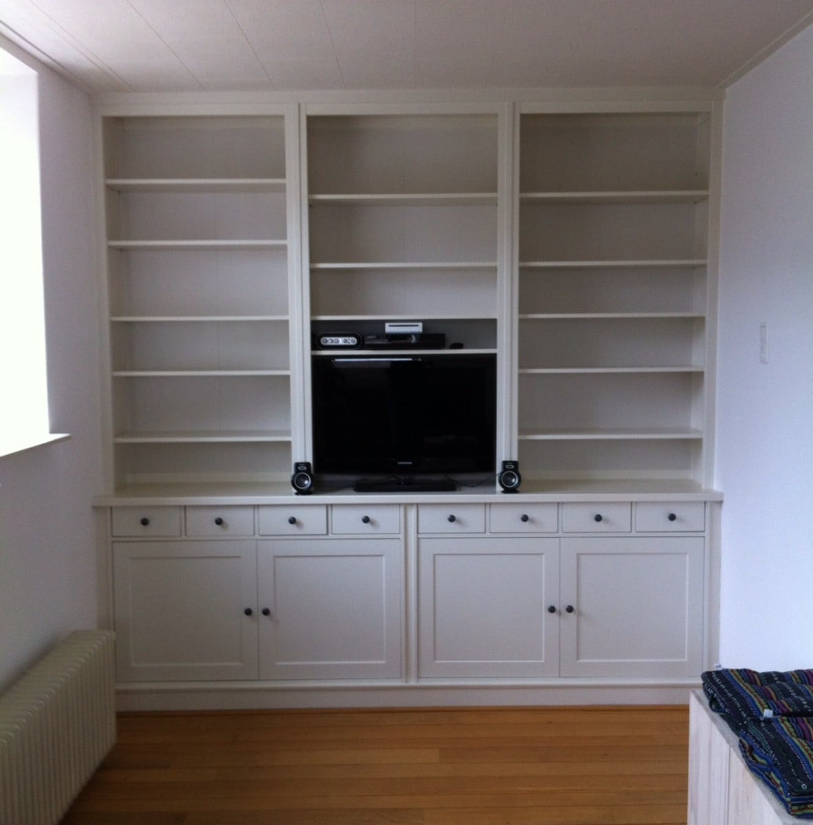 a built in library with hemnes and stornas ikea hackers ikea hackers. Black Bedroom Furniture Sets. Home Design Ideas