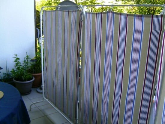 Quick and cheap screens ikea hackers ikea hackers for Ikea outdoor curtains