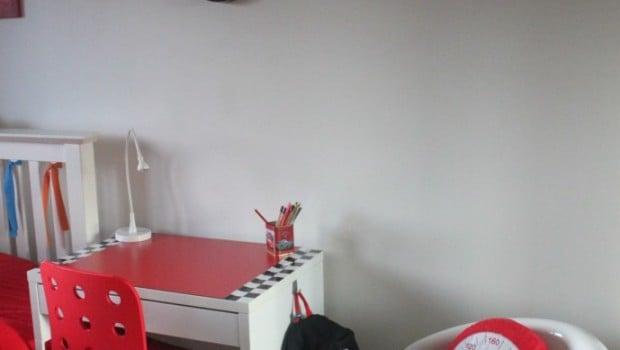 White Micke Desk Turned Into Kids F1 Desk Ikea Hackers
