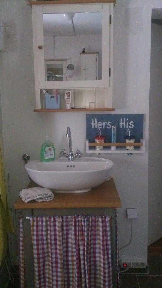 BEKVAM for toothbrushes IKEA Hackers : Bathroom6 from www.ikeahackers.net size 551 x 980 jpeg 122kB