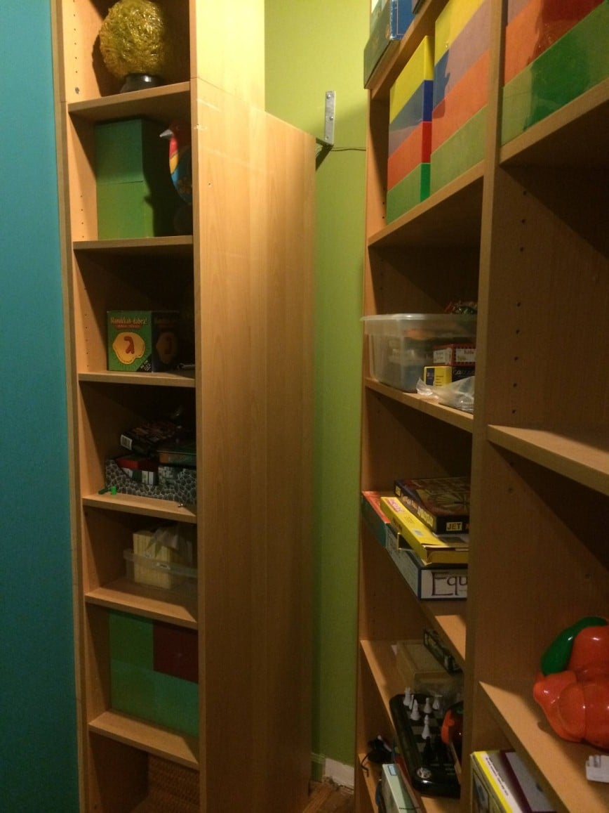 Billy bookcases transform into murphy bed ikea hackers for Fabriquer son lit escamotable
