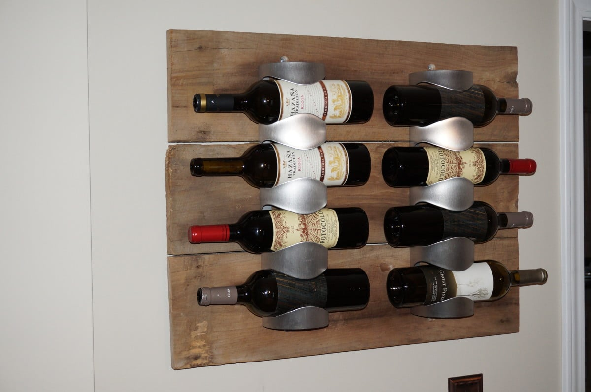 Vurm wine racks with antique barn wood ikea hackers for Armoire palette bois
