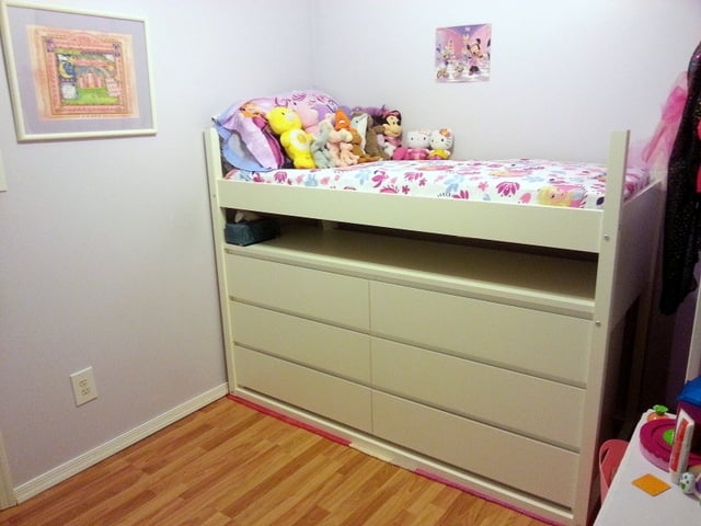 Great Lofted kids bed for a small space