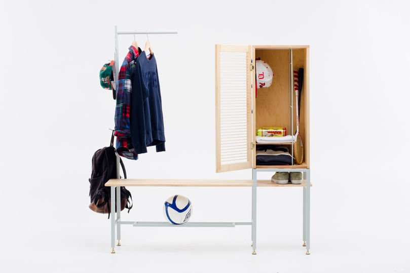 Hackers Help: Locker Room Style Storage Bench With Hooks And Wardrobe Space