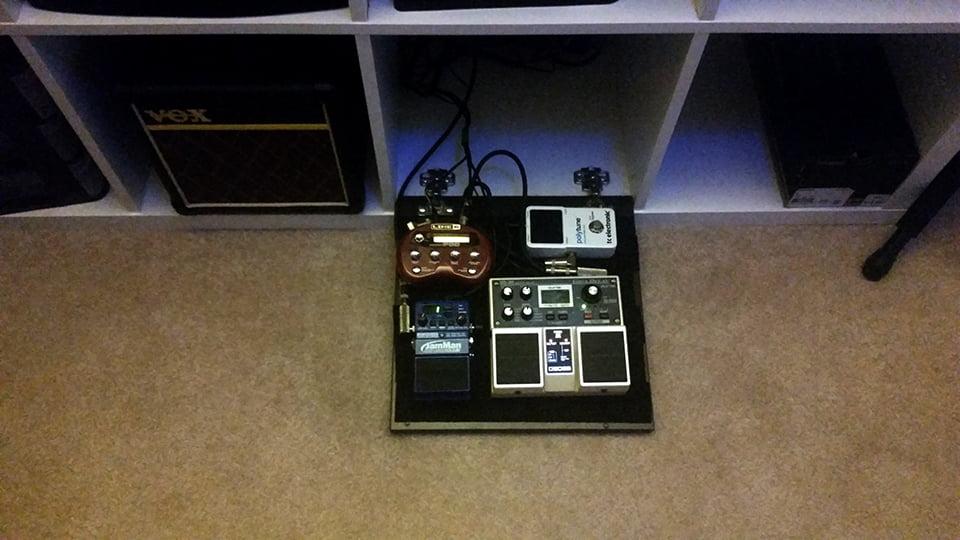 hideaway pedal board