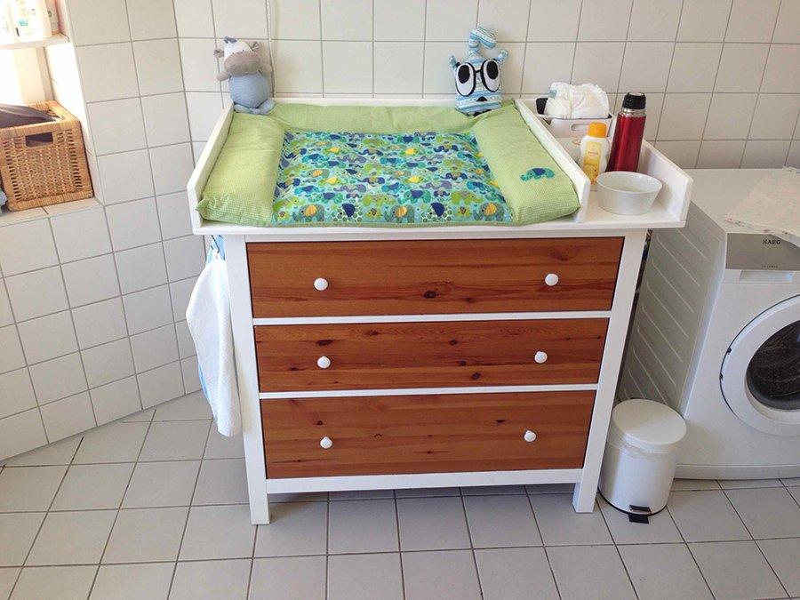 diaper changing table wickeltisch ikea hemnes ikea hackers. Black Bedroom Furniture Sets. Home Design Ideas