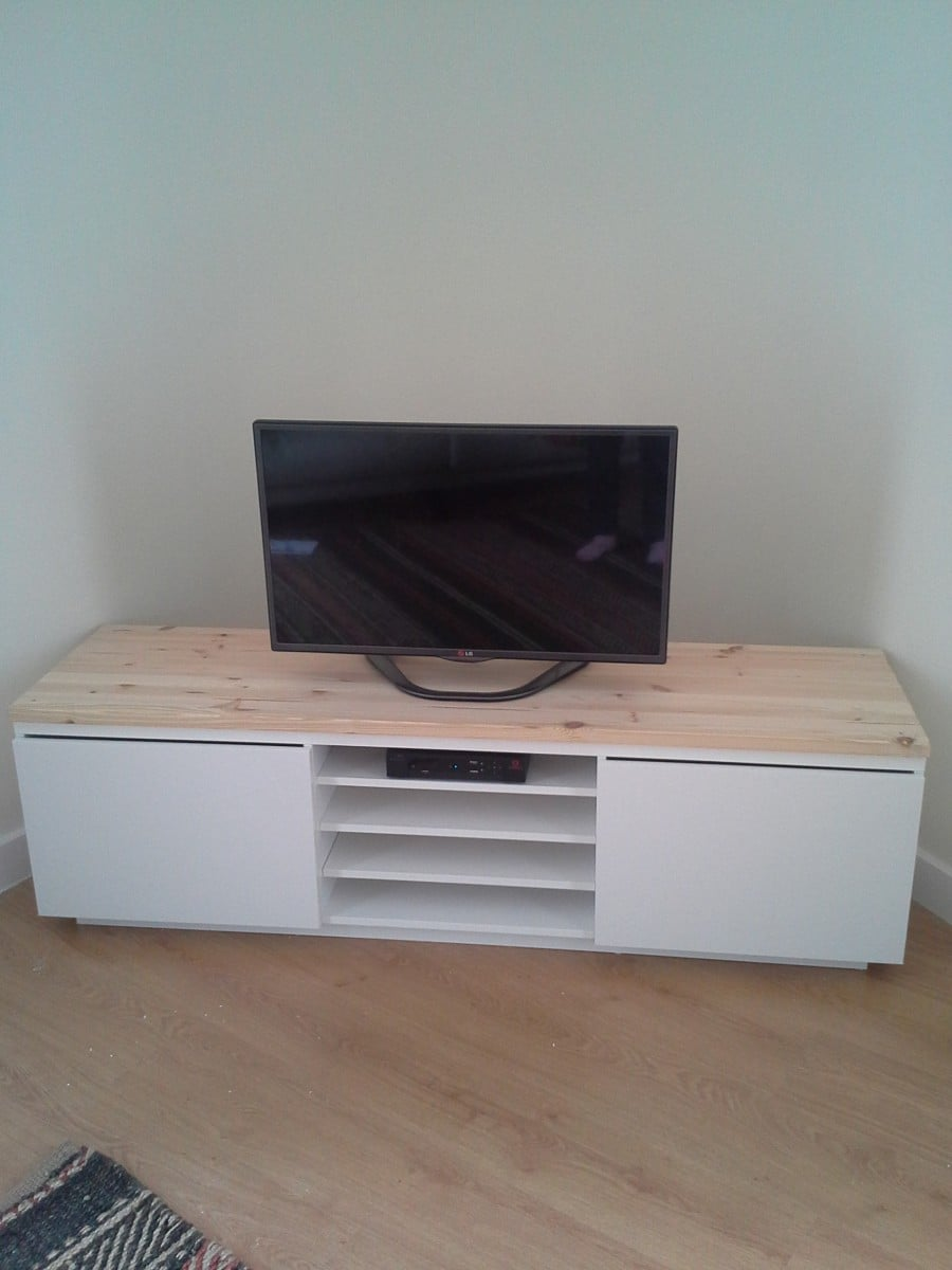tv bench with a personal touch ikea hackers. Black Bedroom Furniture Sets. Home Design Ideas