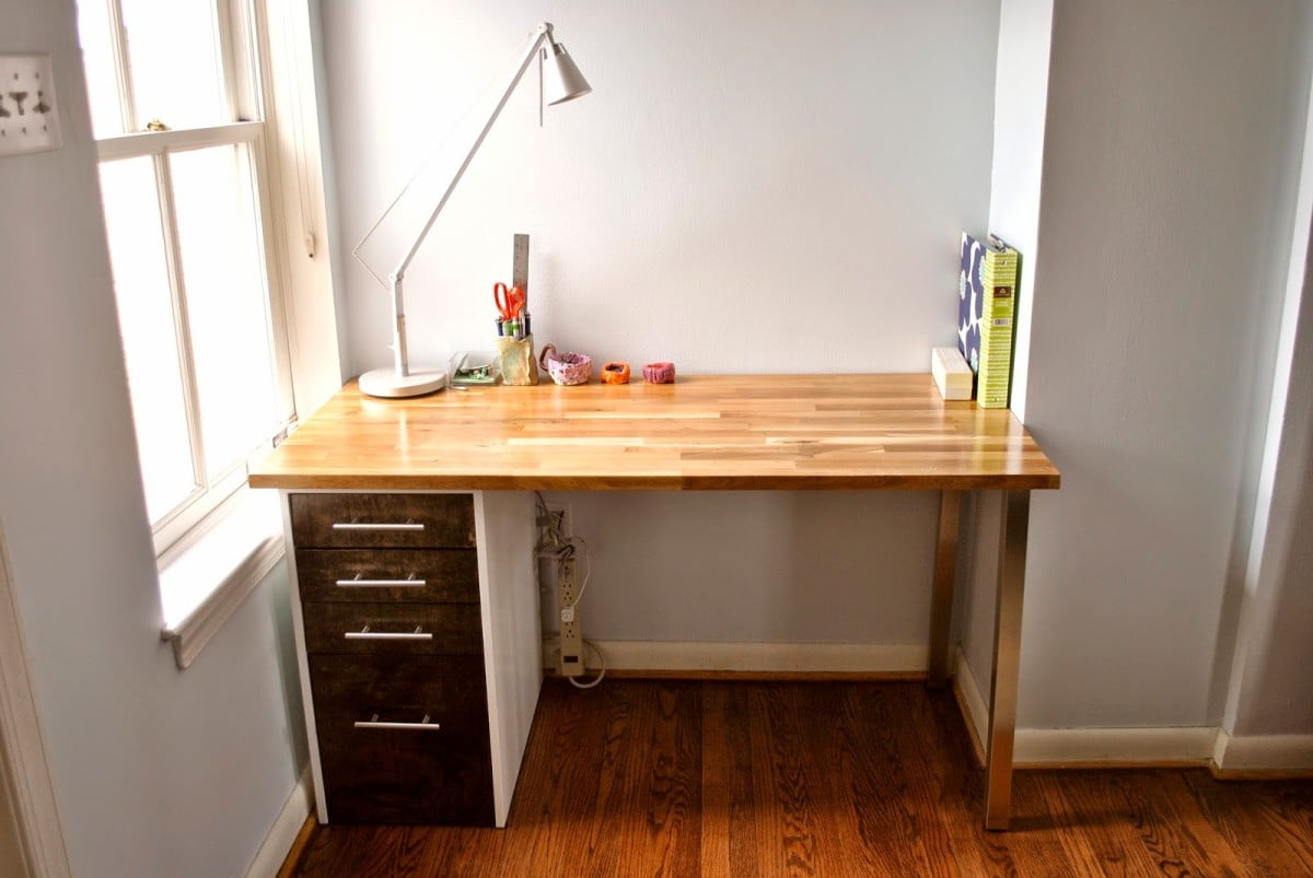Custom beech and maple desk ikea hackers ikea hackers for Bedroom desk ideas