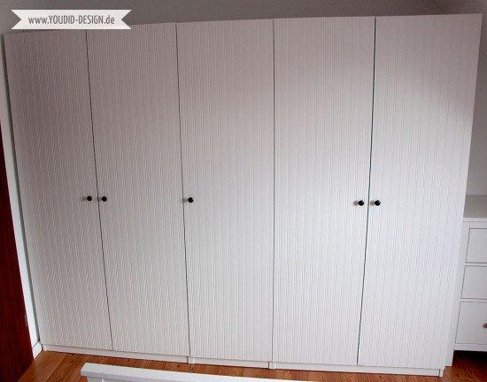 IKEA-Hack---Pax-Kleiderschrank-Makeover-mit-Beadboard-Wallpaper