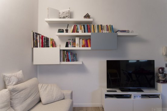 Stylish lack and besta bookshelf ikea hackers ikea hackers - Etagere murale pour tv ...