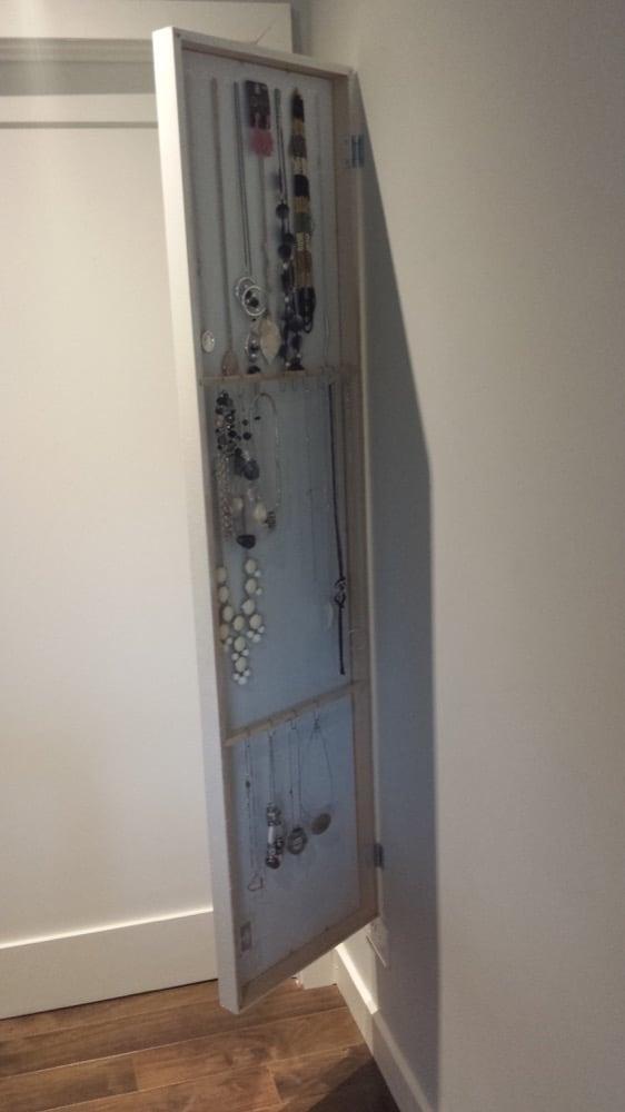 IKEA STAVE Mirror Hides Jewellery Organiser Hackers