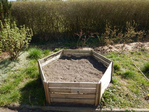 honeycomb raised vegetable garden bed