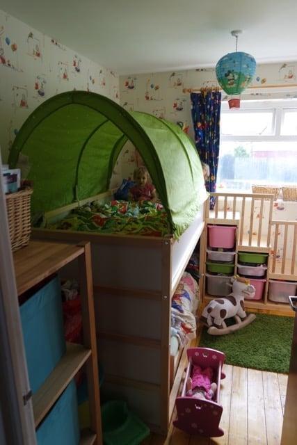 Trofast Opbergkast Ikea.Kura Kritter Trofast Hack Toddler Friendly Bunkbed Ikea Hackers