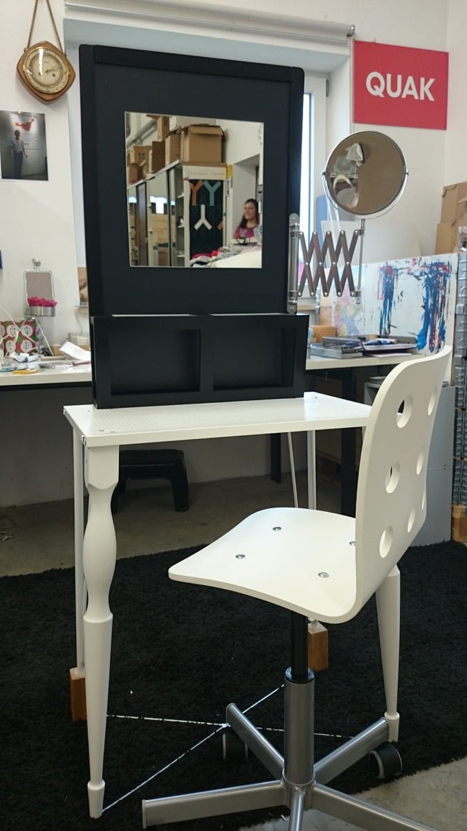 Little Girl S Vanity Ikea Hackers