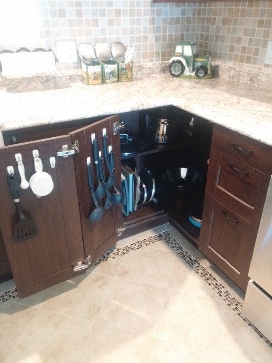 Kitchen Corner Cabinet1a
