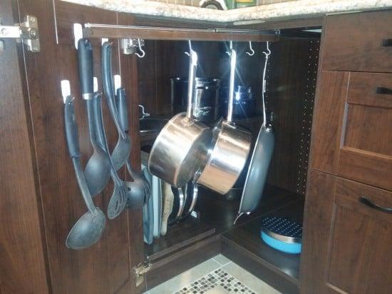 kitchen corner cabinet3
