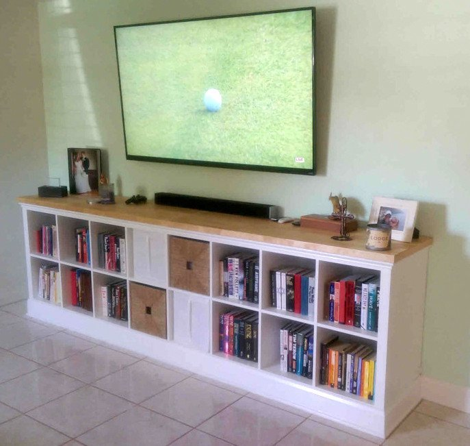 Built in expedit entertainment center ikea hackers for Kallax ideen wohnzimmer