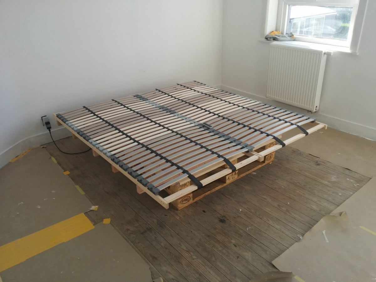 Beautiful L NSET Pallet Bed