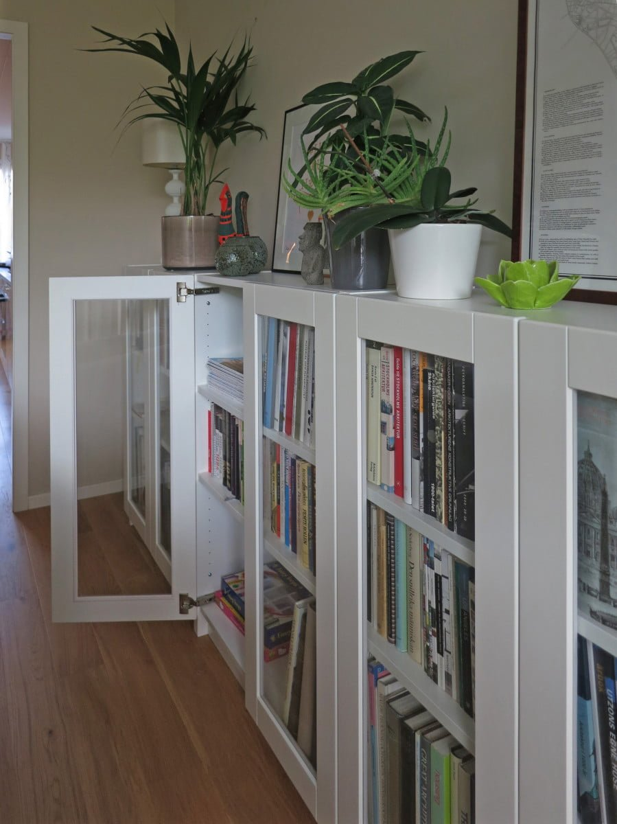 online retailer ad03d 1a43d BILLY bookcases with GRYTNÄS glass doors - IKEA Hackers