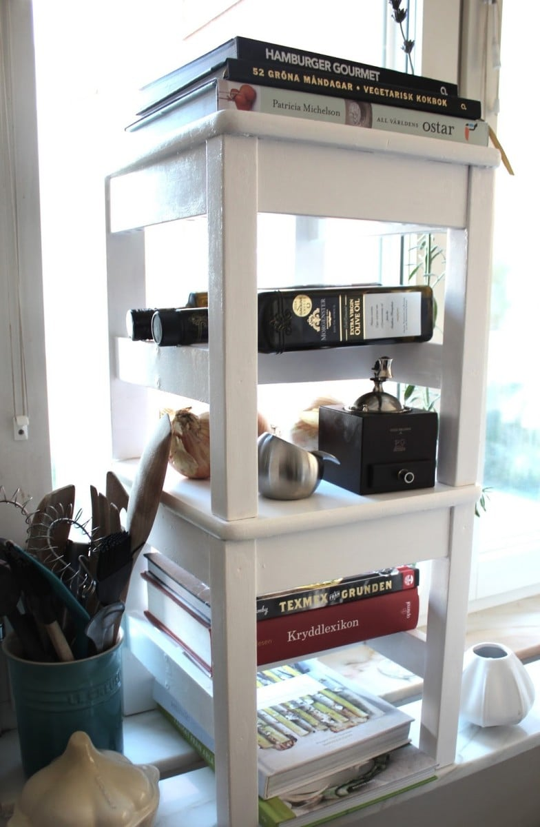 KRITTER Kid Chairs Turns Into A Shelf