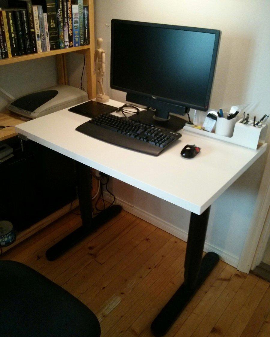 An Adjustable Width Bekant Desk Ikea Hackers Ikea Hackers