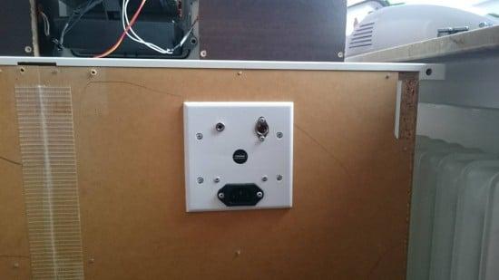 Built-in HEMNES stereo for Kids_3