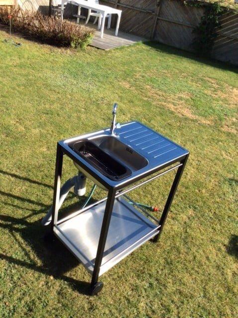 Mini outdoor sink