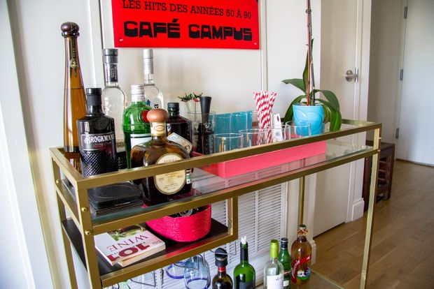 Ikea vittsjo laptop table turned into classy gold bar cart for Table bar industriel