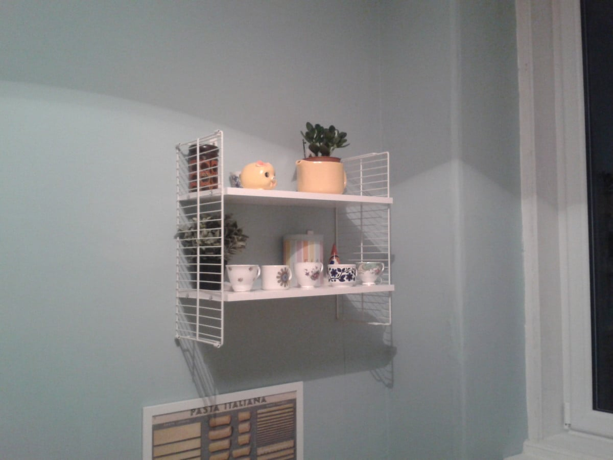 Cool DIY IKEA retro string shelving hack - IKEA Hackers ...