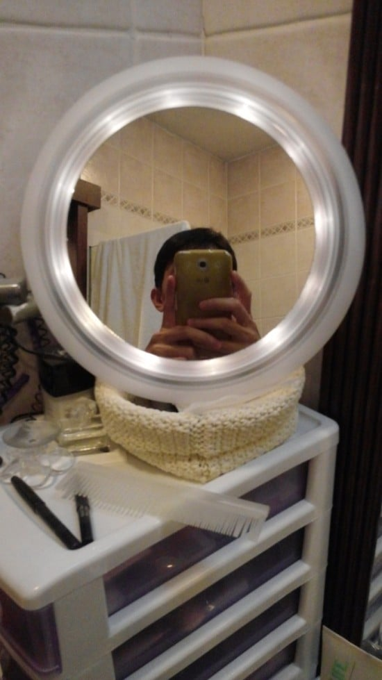 solar powered edge lighted vanity mirror